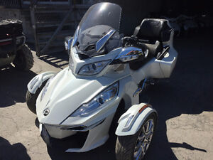 2016 Can Am Spyder RT-Ltd 1330 Triple / Demo Unit (White)