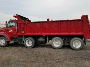 1999 Sterling Triaxle