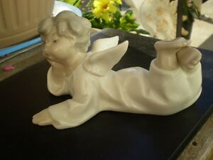 "Lladro Figurine "" Angel Lying Down "" #4541 Kitchener / Waterloo Kitchener Area image 8"