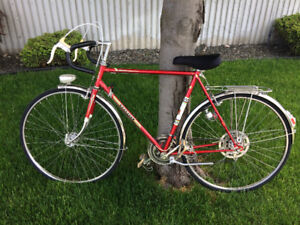 LIKE NEW vintage Peugeot road bike and accessories