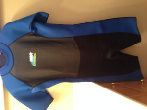 MENS BRAND NEW SWIMMING WET SUIT SIZE LARGE