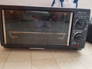 Free Toaster Oven or $10 to deliver KW/Wilmot
