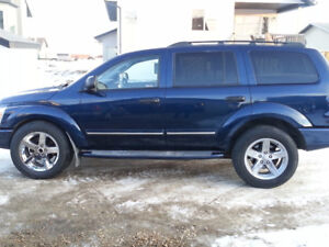 2004 Dodge Durango Limited SUV, 4x4 Crossover LOW LOW LOW KMS!!!
