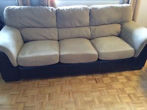 Canapé et fauteuil (set en bois massif , suède et cuir)