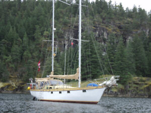 50 ft. KETCH. Already in Mexico. For sale.
