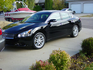 2010 Nissan Maxima 4-Door Sports car Sedan