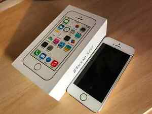 iPhone 5s Gold 32GB, with Bell London Ontario image 1