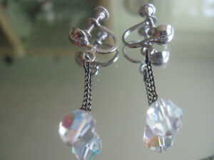 "CHARMING OLD VINTAGE ""AURORA BOREALIS"" DROP EAR RINGS..[ '60's]"