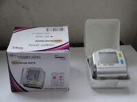 BLOOD PRESSURE MONITOR WRIST TYPE BRAND NEW $40