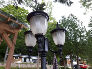 Outdoor decorative lamp post