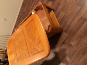 Coffee table (extendable) with 2 end tables