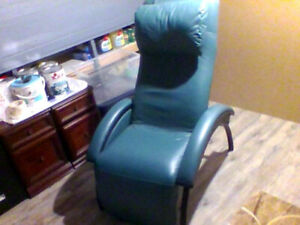 Recliner (leather and metal)