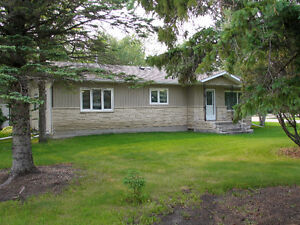 Gorgeous water view home in the town of Lac du Bonnet!