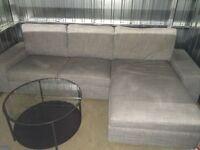 Sofa en L avec table de salon manger