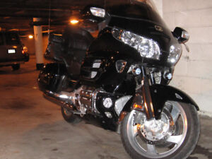 2004 honda gold wing GL1800 excellent condition  / like new