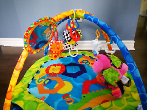 Baby activity gym / play mat
