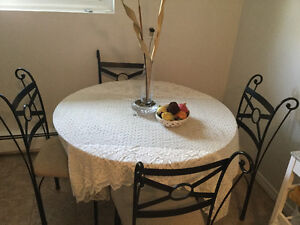 Dinner table with four chais Kitchener / Waterloo Kitchener Area image 1