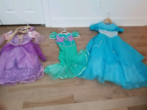 princess dress  s 5/6 years/ robes de princesse p 5/6  ans