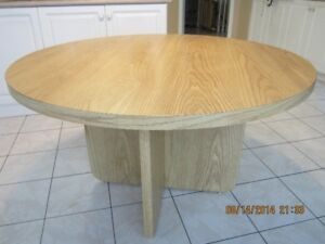 Good Looking Round Dining Table