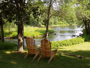 Private Paradise on the Moira (Tweed, ON)