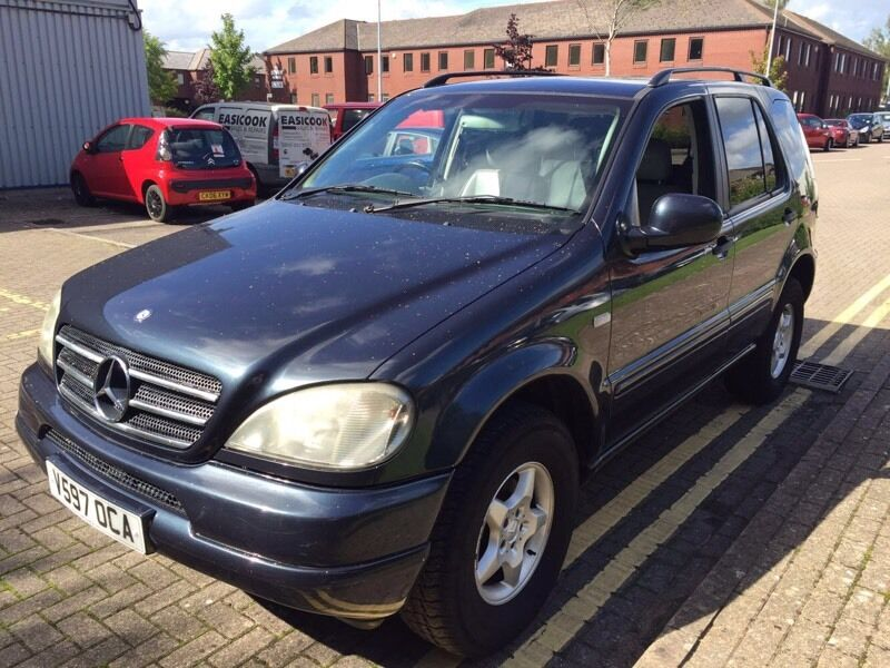 mercedes ml 320 petrol in lakeside cardiff gumtree. Black Bedroom Furniture Sets. Home Design Ideas