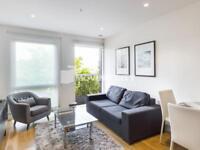 2 bedroom flat in Rathbone Market, London E16