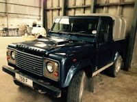 Landrover defender 90 pick up . Good clean tidy spec