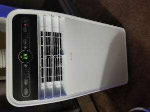 Insignia 3 in 1 Portable Air Conditioner (10000 BTU)