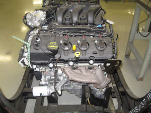 Mustang engine 3.7L V6 - NEW IN CRATE !!!!