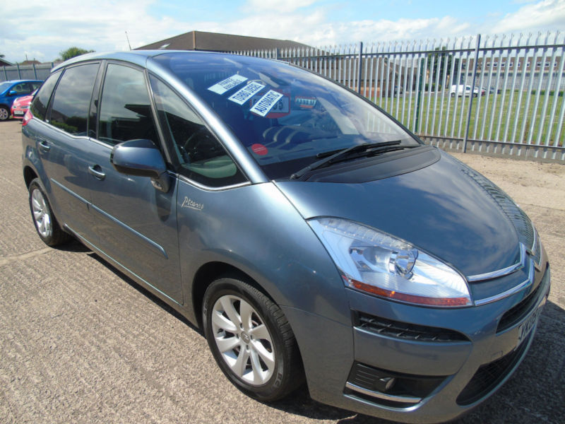 Citroen C4 Picasso 1.6HDi ( 110hp ) EGS Exclusive AUTO WITH PADDLE SHIFT