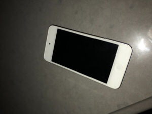 Selling iPod 5 - no scratches