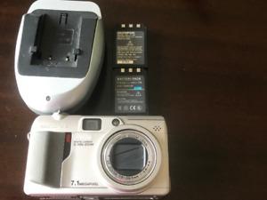 Camera- Olympus Camedia Digital Camera C-7000 ZOOM