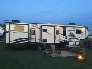 2015 Keystone Avalanche Executive 5th wheel - 2017 bookings now.