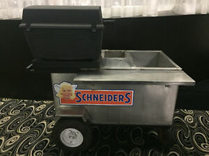 MOBILE BBQ CART with Broil king BBQ