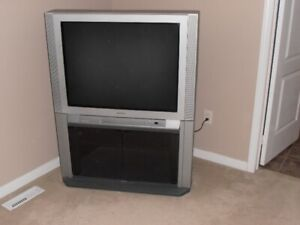 """36"""" Toshiba True Flat CRT TV with Stand"""