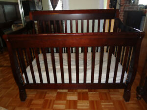 Kidilove Tammy 4-in-1 Baby Crib