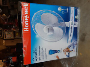 Honeywell quiet set fan with remote