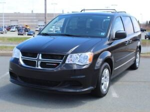 2013 Dodge GRAND CARAVAN SXT with Leather, Heated Seats, Full St