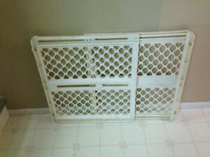 Baby gate plastic durable