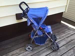 Cosco lightweight Stroller London Ontario image 4