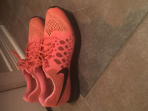 Nike ladies running shoes worn a few times size 8.5