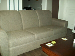 Couch London Ontario image 1