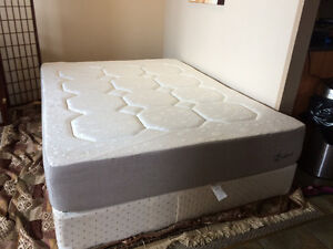 As new Z edbed queen size bed