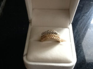 18 KT Gold diamond ring Size 9  Plus more