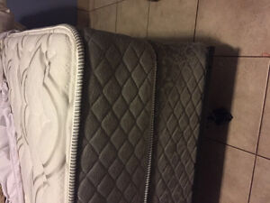 Double bed, box spring, metal frame