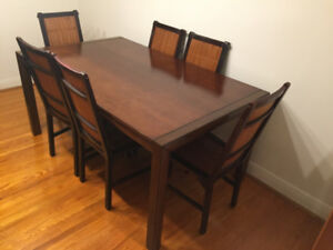7 PIECE WOODEN DINING ROOM SET (CAN BE SOLD SEPARATELY)