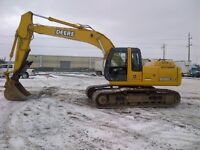200C LC John Deere Excavator c/w Hyd Thumb FOR RENT