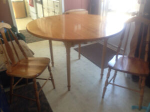 Bass River table and chair set