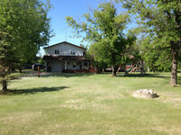 *Just Reduced* Country Home on 3.1 acres Mitchell Manitoba