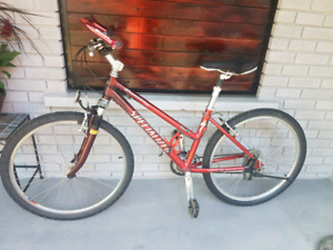 Ladies specialized expedition elite mountain bikes 21gears $190
